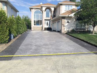 Seamless Stamp Driveway with Stamped Borders Edmonton